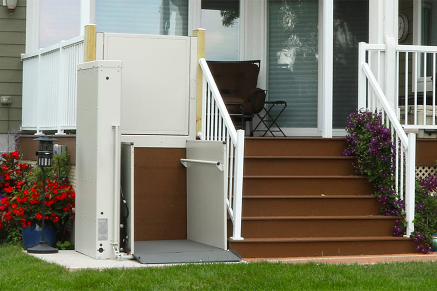 Bruno VPL porch lift image on Bedco Mobility website