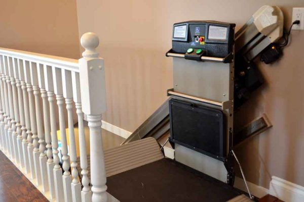 wheelchair lift image on Bedco Mobility website