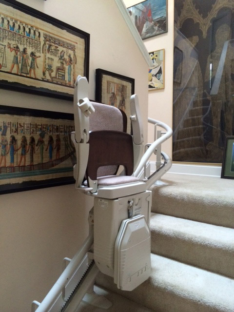 Curved stairlift image on Bedco Mobility website