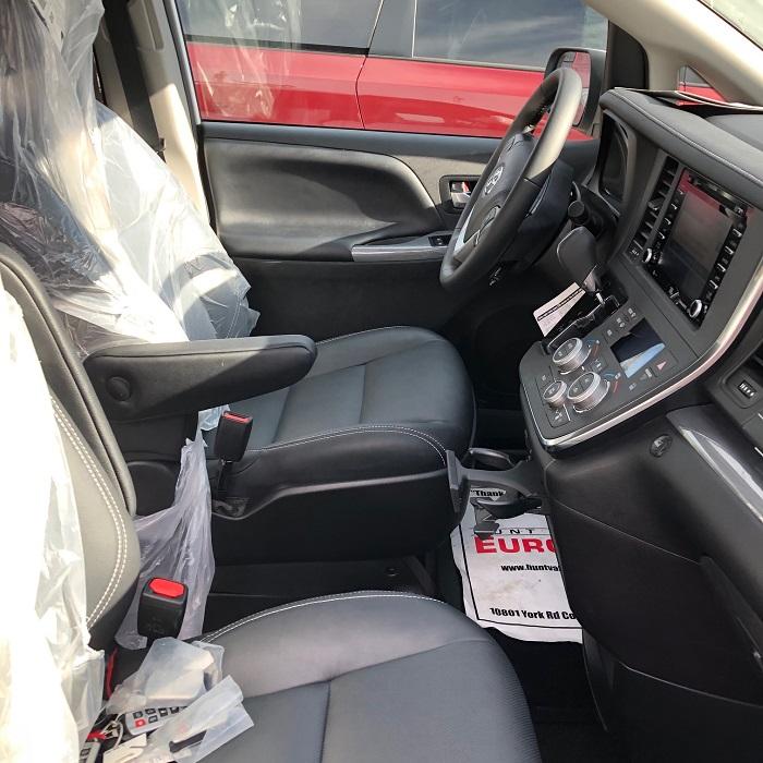 2019 Toyota Sienna SE Premium Wheelchair Van Interior