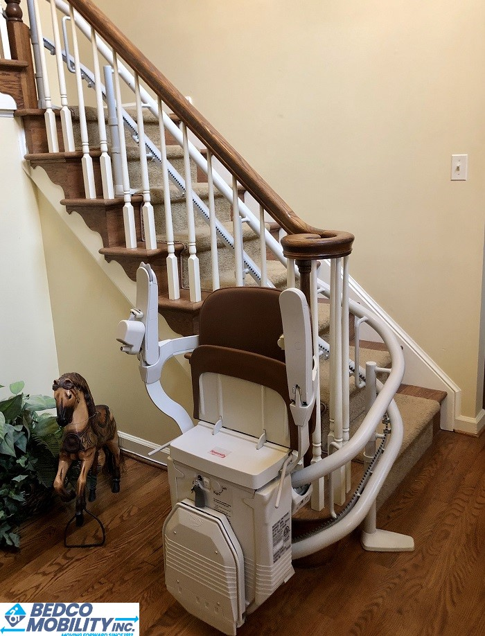 stannah stair lift with 180 park at bottom of stair