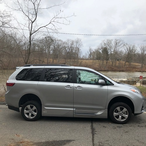 closed exterior of Sienna accessible minivan