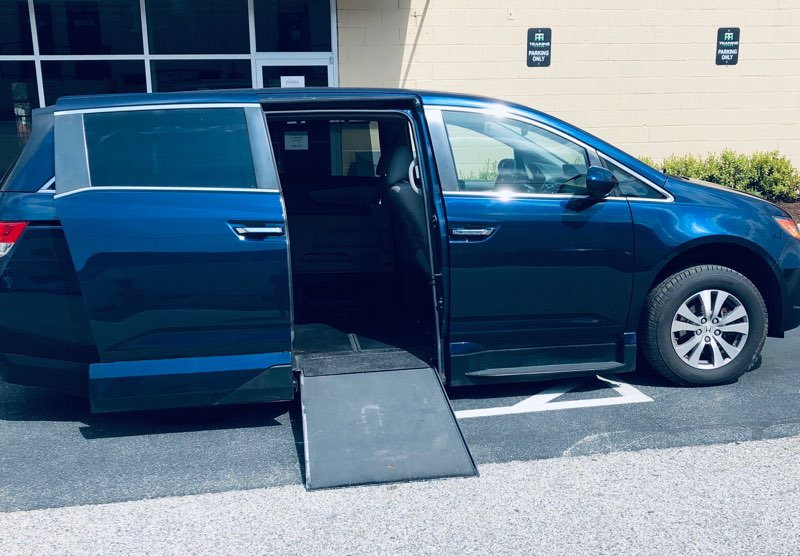 Blue Honda Odyssey wheelchair minivan