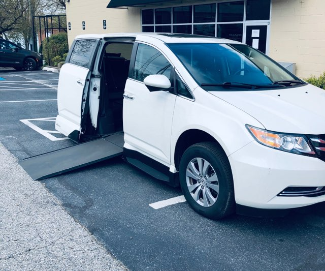 honda odyssey accessible van from side